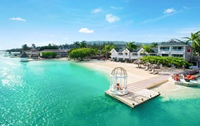 Book Sandals Royal Caribbean with 4 Seasons Travel in Des Plaines IL